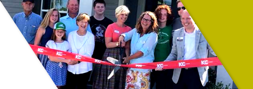 Lead Bank Kansas City community clients Prairie Elder Care at a ribbon cutting ceremony
